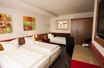 Centro Hotel Ariane Koln